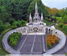 Pellegrinaggio a Lourdes con Don Carlo